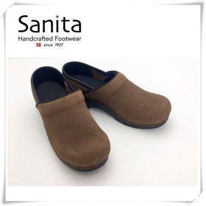 NWOT Sanita Professional Clogs Nursing Shoes